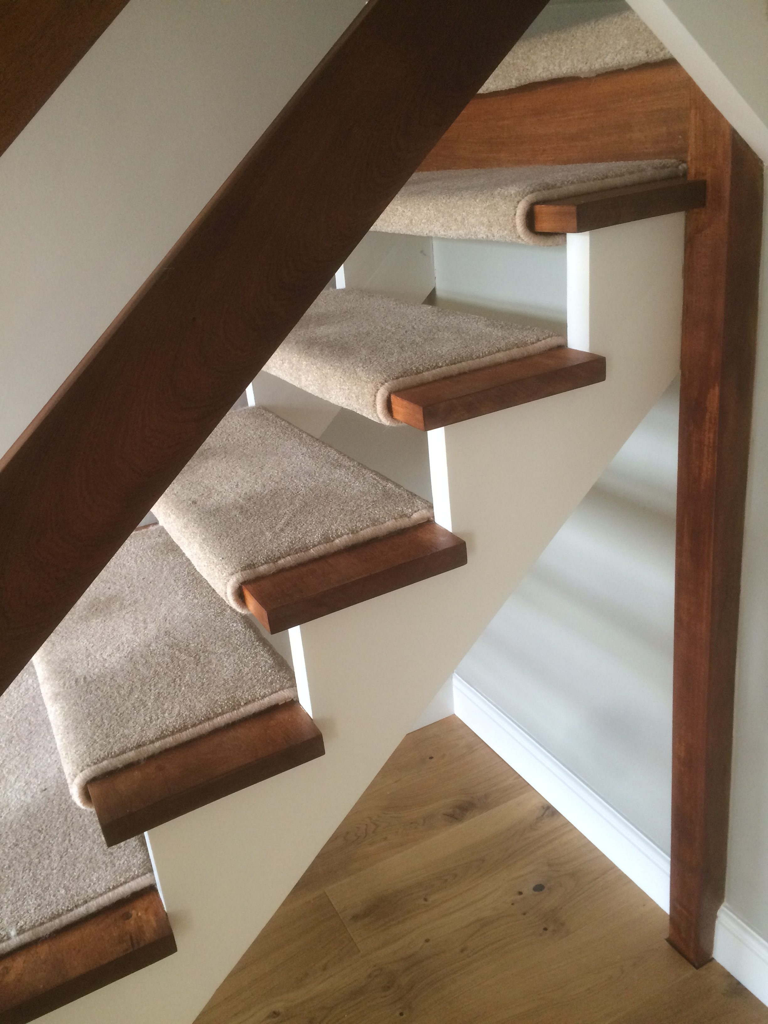 70 S Hall Stairs Amp Landing Ingatestone A Fresh Lick